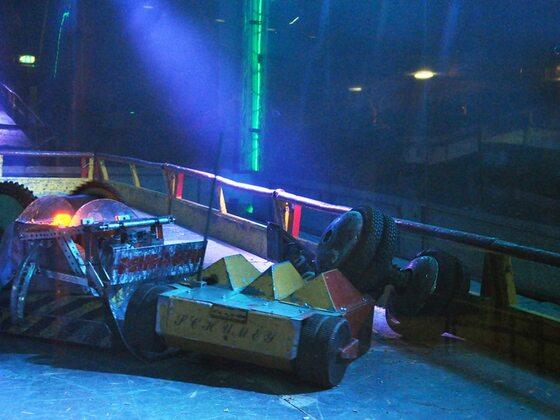 Robot Wars / Bluewater Glow (2014)
