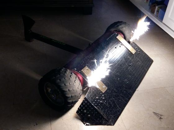 Angry Muffler mit Effektwerfern