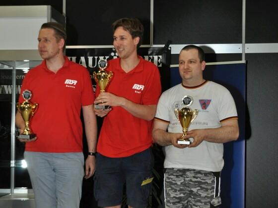 Sieger MMMv.23 Featherweight (13,6Kg)